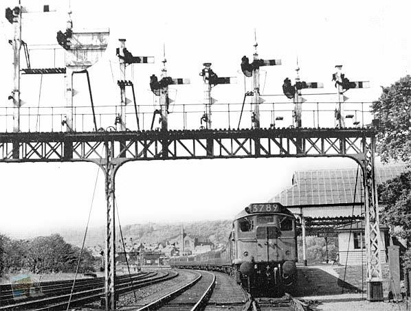 Train Passing Through Londesborough Road Station in May 1964